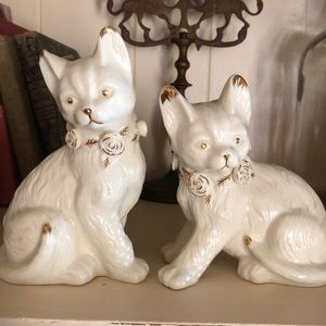 Two vintage cats